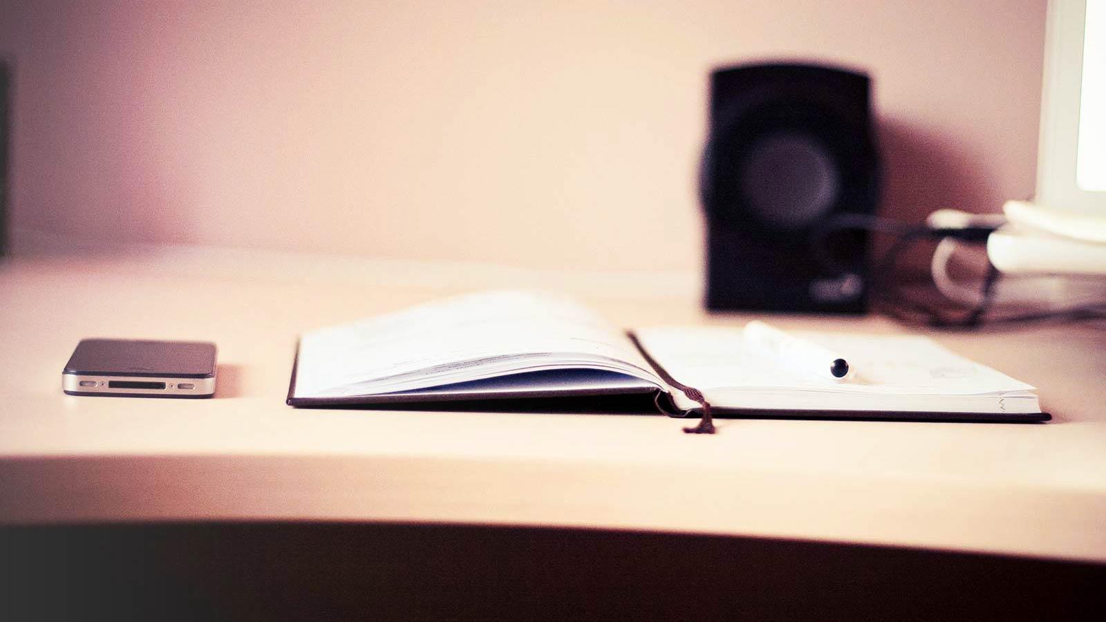 desk-slide